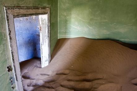 Namibia Gruppenreise - Namibia Kleingruppenreise - Versandetes Haus - Geisterstadt Kolmanskop bei Luederitz - Namibia