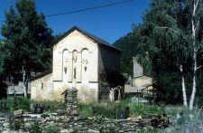 Äußerlich unscheinbare Georgskirche von Nakipari (© HS)