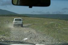 Auf Nebenstraßen zum Zratskaro-Pass (© BH)