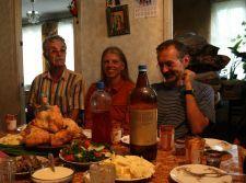 Spontane Einladung zu Wasser, Wein, Maulberschnaps und mehr (© BH)