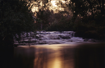 Popa Falls am Okavango Fluss in Botswana
