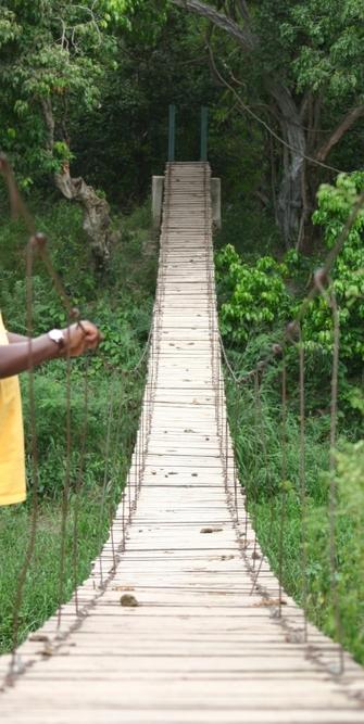 Brücke über den Grumeti River beim Serenget Nationalpark in Tansania