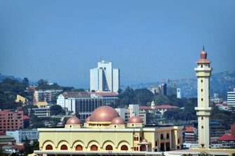 Ankunft in Entebbe und erste Nacht in Kampala in Uganda