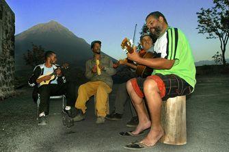 Vier Männer machen Musik in Mindelo auf den Kapverden