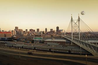Brücke über Johannesburg in Südafrika